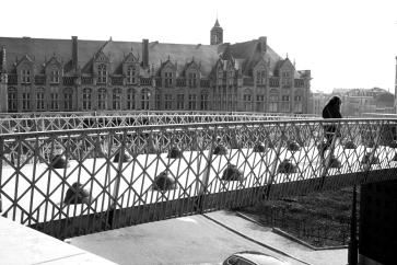 Puente hacia Place Saint Lambert