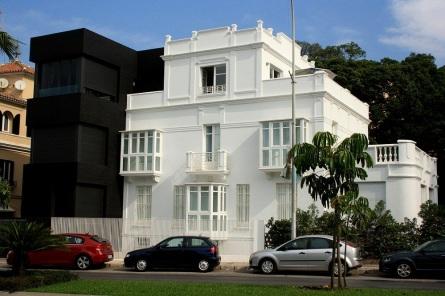 Casa blanca y negra